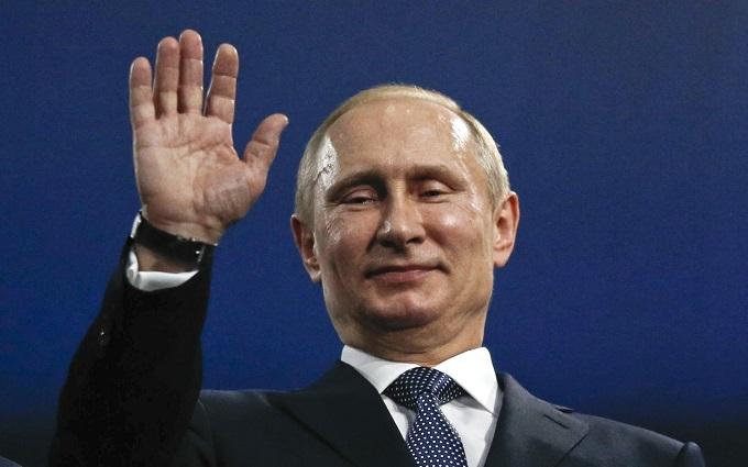 Рейтинг Путина в России продолжает падать