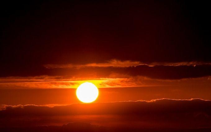 На Солнце заметили гигантский протуберанец: могут быть последствия для землян