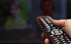 Что смотрят по ТВ на оккупированном Донбассе: соцсети поразило видео