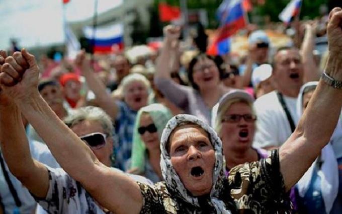 Усе для пенсіонерів: очевидець розповів, як бойовики ЛНР дурять людей