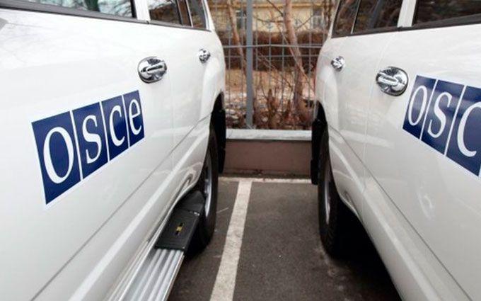 Соцмережі розхвилювалися через спостерігачів ОБСЄ, що покинули зону АТО: опубліковані фото