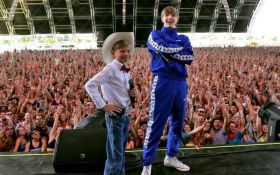 11-летний мальчик спел посреди супермаркета и его пригласили на фестиваль Coachella