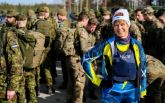 На это стоит посмотреть: президент Эстонии осуществила марш-бросок с военными