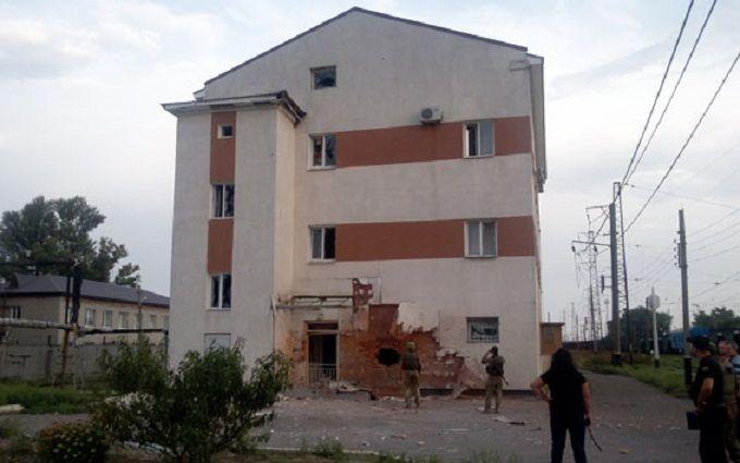 Бойовики ДНР вдарили по Авдіївці, зупинено рух поїздів: з'явилися фото