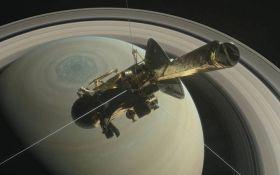 Зонд Cassini 22 раза пролетит между кольцами Сатурна