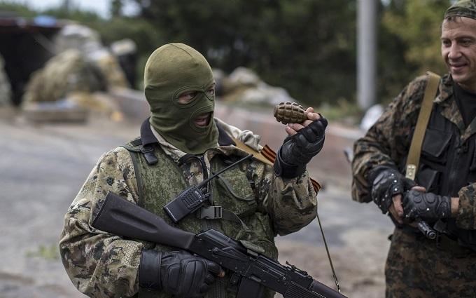 Очевидці розповіли про потужний бій в Донецьку: опубліковано відео