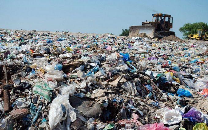 В Кабмине приняли временное решение по львовскому мусору