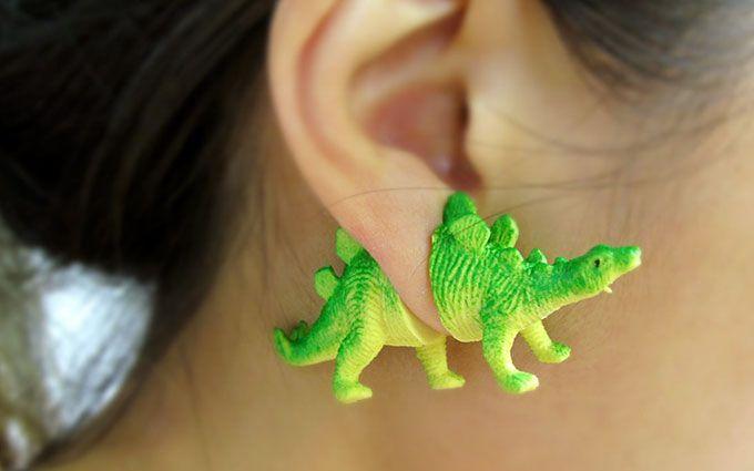 И с динозаврами в ушах: в сети появились фото удивительных украшений
