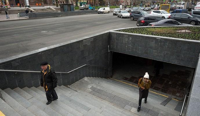 Будет налажено освещение в переходах Киева