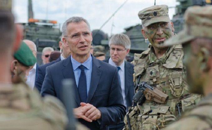 Мы сохраняем двойной подход: генсек НАТО прокомментировал встречу Трампа и Путина