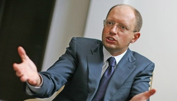 Яценюк: Выборы без Тимошенко не признает даже Россия