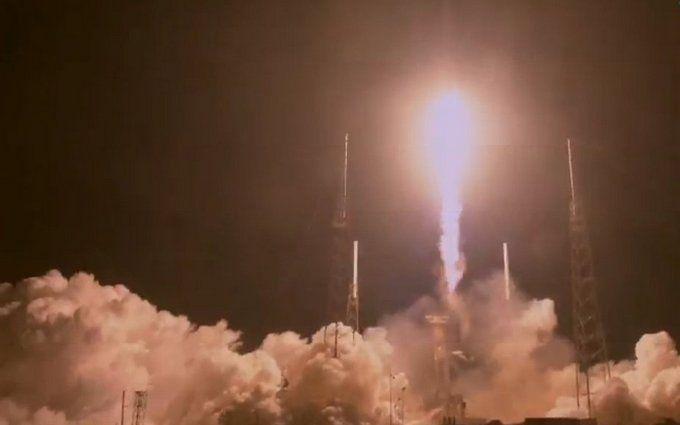 SpaceX провалила запуск секретного супутника на орбіту - ЗМІ