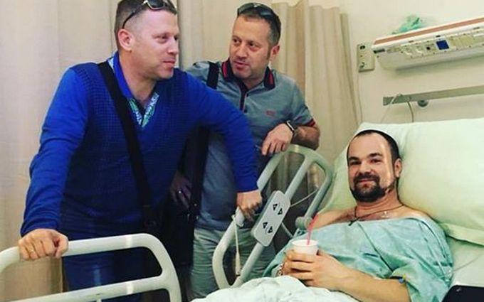 Известный украинский музыкант показал свои фото после операции