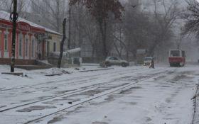 Закриті аеропорти і занесені траси: Україна перечікує негоду, з'явилися фото