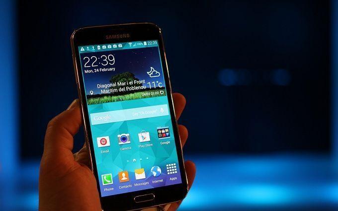Вчені розповіли про нову смертельну небезпеку світла від смартфона