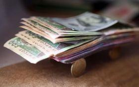 Кабмин хочет собирать больше налогов с высоких зарплат
