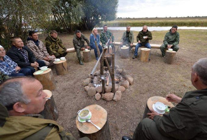 Путін і Медведєв, що поїли юшки, насмішили мережу: опубліковані фото і відео (2)