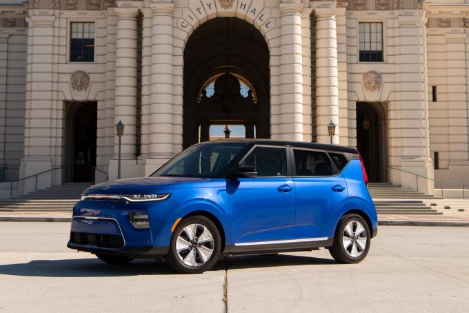 Эксперты назвали лучший автомобиль 2020 года - впечатляющие фото (4)