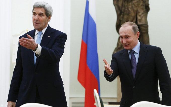 Путін зустрівся з Керрі: з'явилися фото і подробиці
