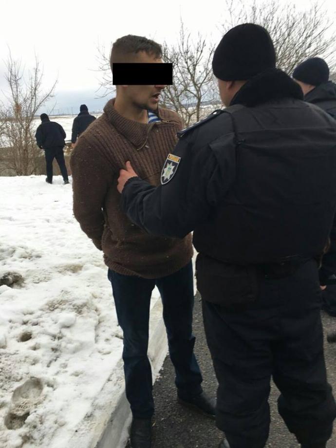 В Ровно вооруженных убийц задержали за час: появились фото и видео (2)