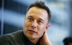 Ілон Маск розповів, коли представить першу вантажівку Tesla