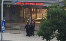 Теракт в Мюнхене: появились скандальные сведения о стрелке и фото его жертв