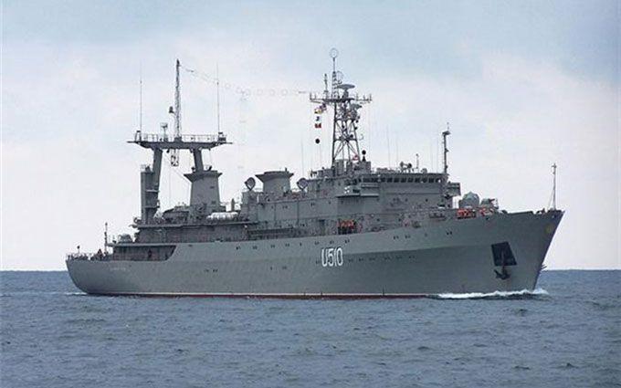 """В Одесі загорівся корабель """"Донбас"""": з'явилися подробиці"""