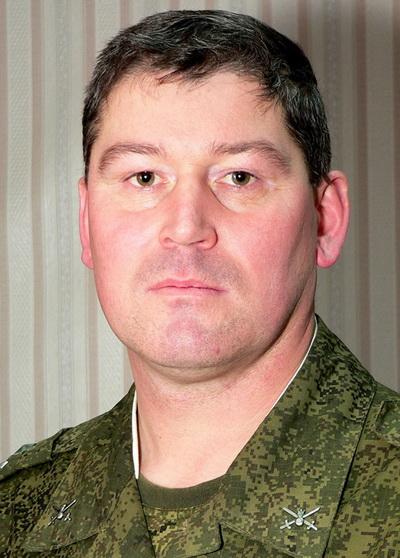Разведка рассказала о депрессивном российском полковнике на Донбассе: опубликовано фото (1)