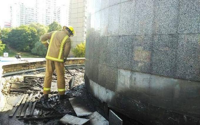 Пожежа в Києві: з'явилися нові подробиці ДСНС, фото і відео