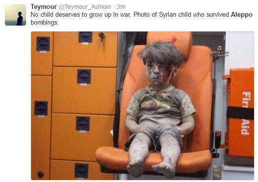 Мережу підірвало відео з сирійською дитиною, яка вижила після авіаудару Росії (1)