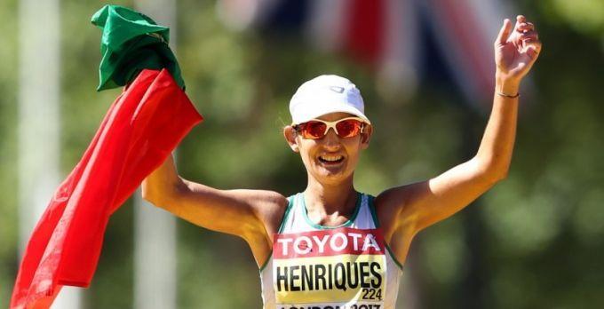 Энрикес выиграла золото ЧМ в спортивной ходьбе с рекордом мира