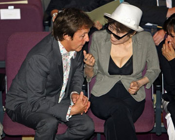 Пол Маккартни заявил, что Йоко Оно не виновата в распаде группы The Beatles