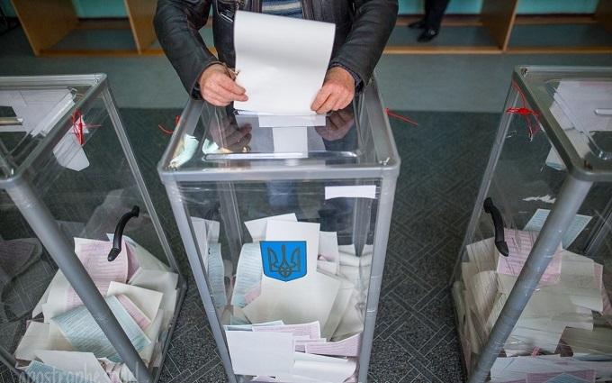 """Подсчет результата выборов в Раду """"подвис"""" из-за скандала: появилось видео"""