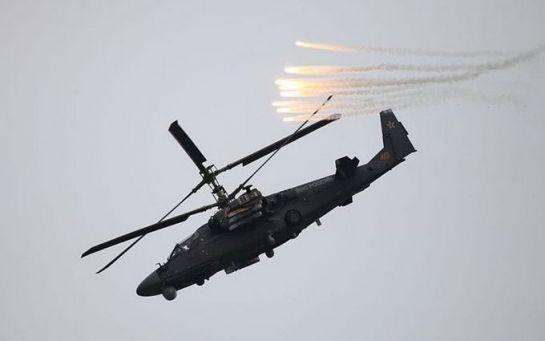 Что-то там коротнуло: российский вертолет обстрелял журналистов, видео