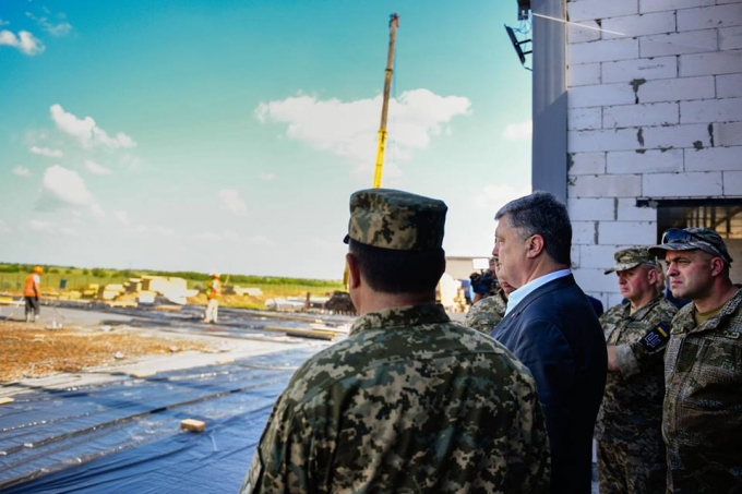 Лучше, чем в странах НАТО: Порошенко показал новый военный полигон в Украине (5)