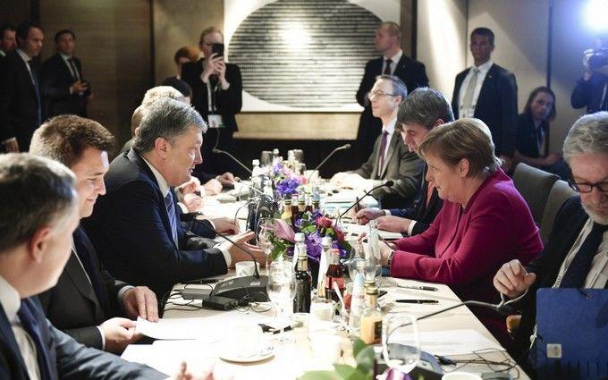 Порошенко провів переговори з Меркель в Мюнхені: про що домовилися