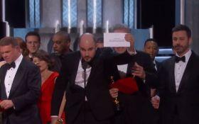"""З'явилося відео грандіозного конфузу у фіналі церемонії """"Оскар"""""""