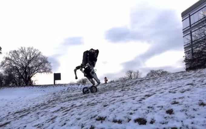 Американцы впечатлили роботом на колесах: опубликовано видео