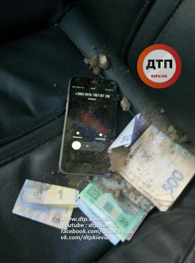 У Києві поліцейські влаштували погоню за порушником: з'явилися фото (1)