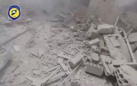Авиация Асада атаковала жилые районы в сирийском городе вакуумными бомбами: появилось видео