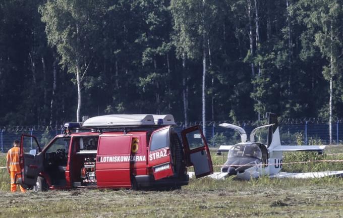 В Польше разбился украинский самолет с депутатом на борту: опубликованы фото с места аварии (2)