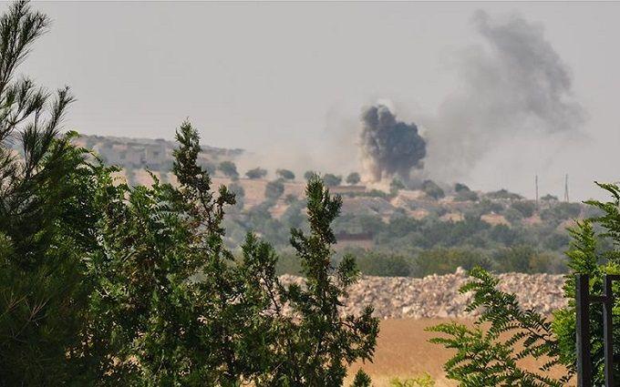Туреччина посунула на Сирію наземні війська: з'явилися перші фото і відео