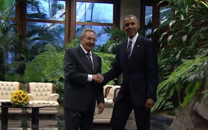На Кубе произошла историческая встреча Обамы с Кастро: опубликовано видео
