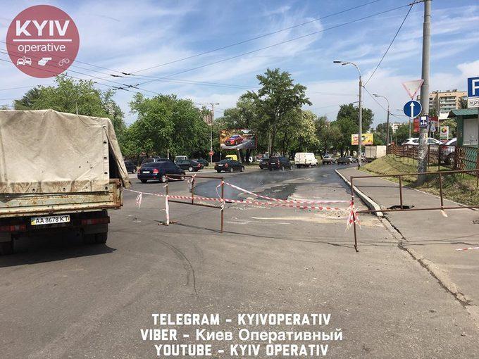 На проспекте Правды в Киеве произошло крупное ЧП: появились фото и видео (1)