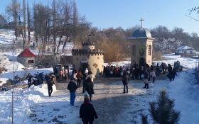 Крещение в Кропивницком едва не переросло в драку из-за российской песни: появилось видео