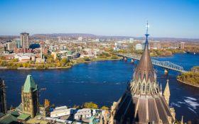 По 100 доларів за прогулянку - влада Канади вирішила роздавати гроші туристам