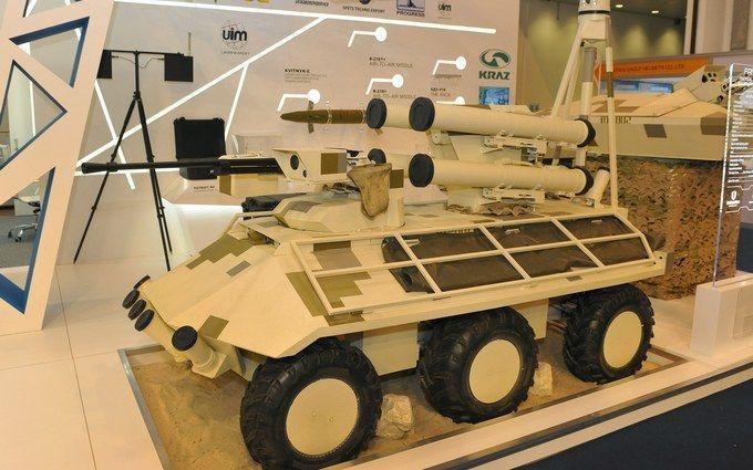 Украина презентовала вОАЭ самый новый беспилотный БТР «Фантом»