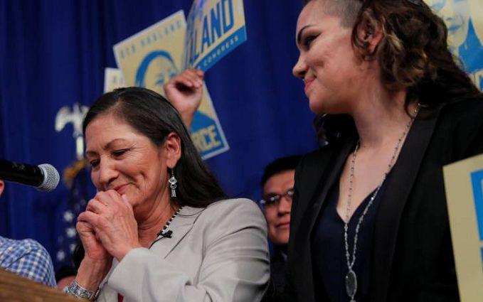 Это сенсация: на выборах в Конгресс США женщины получили рекордное количество мест в палате представителей