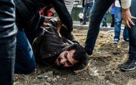 В Стамбуле демонстранты столкнулись с полицией, более 200 задержанных