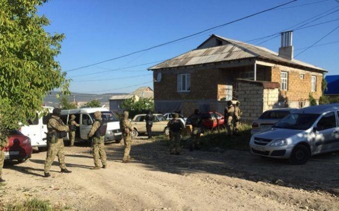 Крымскотатарский активист пропал после обыска ОМОНовцев - видео